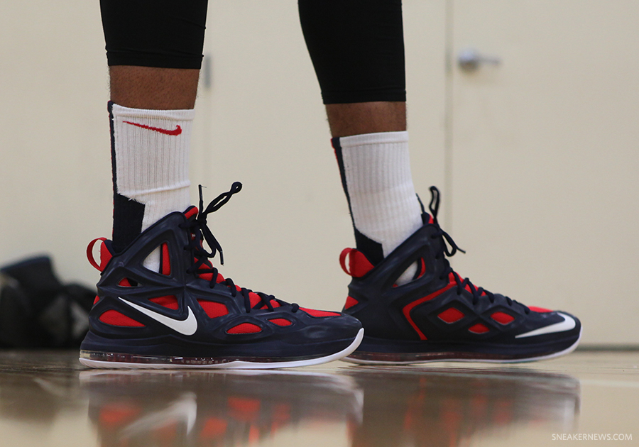 Anthony Davis Nike Hyperposite