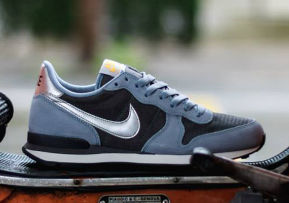 nike internationalist nylon
