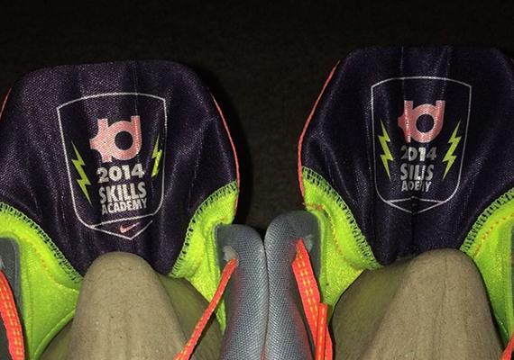 "Nike KD 7 ""35k Degrees"" – Kevin Durant Skills Academy PE"