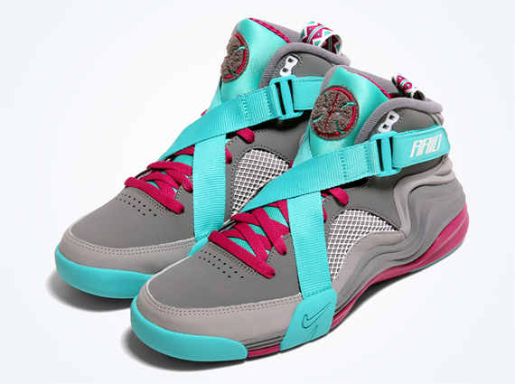 hot sale online 5caa4 2ad08 ... July The Nike Air Raid has had an undoubtedly big summer. The 1992  retro basketball shoe ...