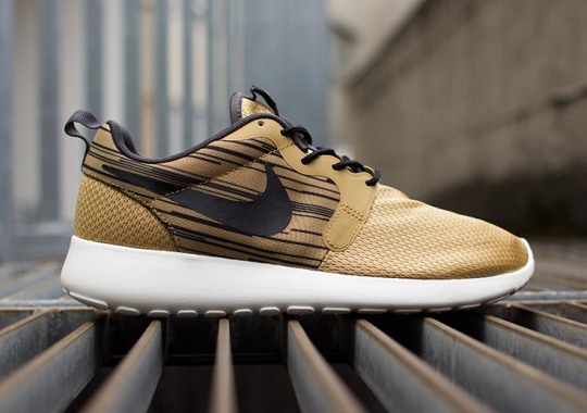 Nike Roshe Run Hyperfuse – Gold – Black