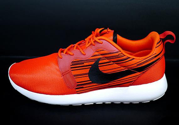 162b91945564 Nike Roshe Run Hyperfuse - Atomic Red - Black - SneakerNews.com
