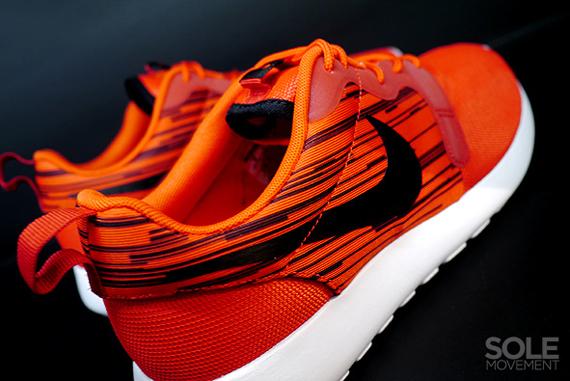 Nike Roshe Kjøre Hyperfuse - Atomic Rød - Svart RhFhgSD