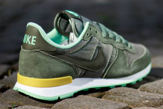nike internationalist femme cargo khaki