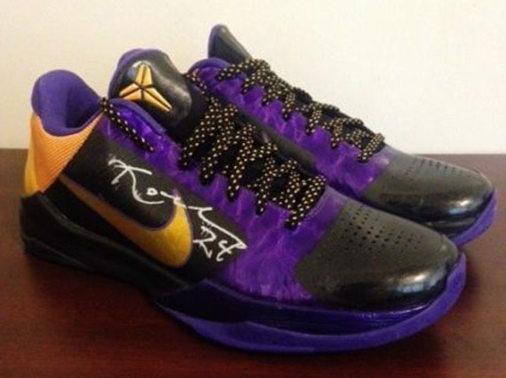 "Nike Zoom Kobe 5 – Kobe Bryant Autographed ""Away"" Pair on eBay"