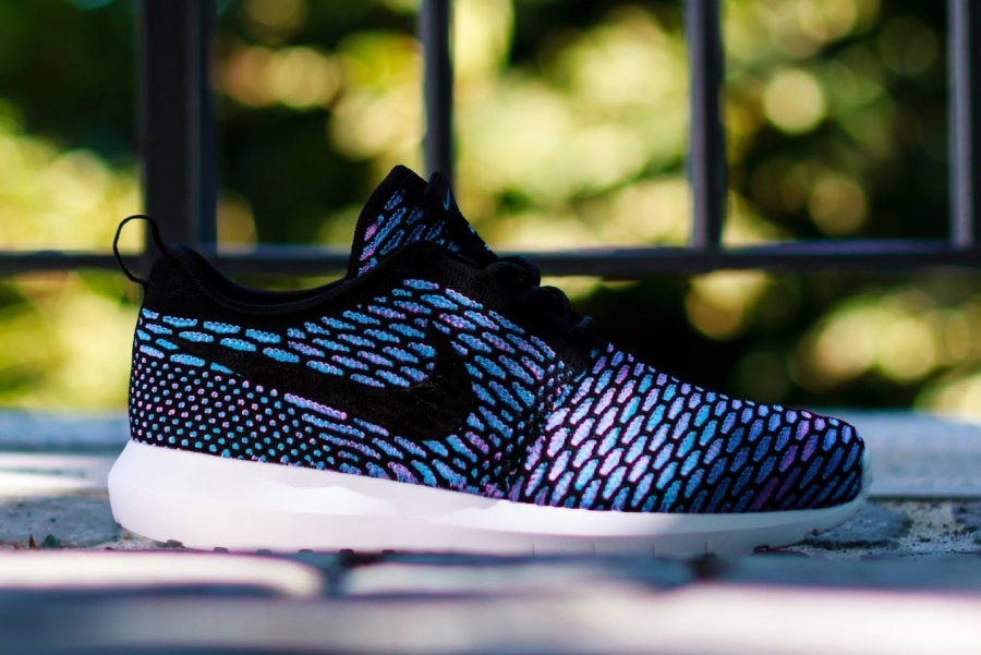 nike roshe run flyknit black/neo turquoise-blue color