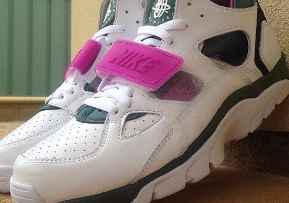 "new product 3f775 d5193 Nike Air Trainer Huarache ""Dark Emerald"" – Release Date"