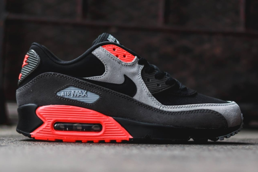 Fortaleza tristeza Color de malva  Nike Air Max 90 - Black - Ash Grey - Total Crimson - SneakerNews.com