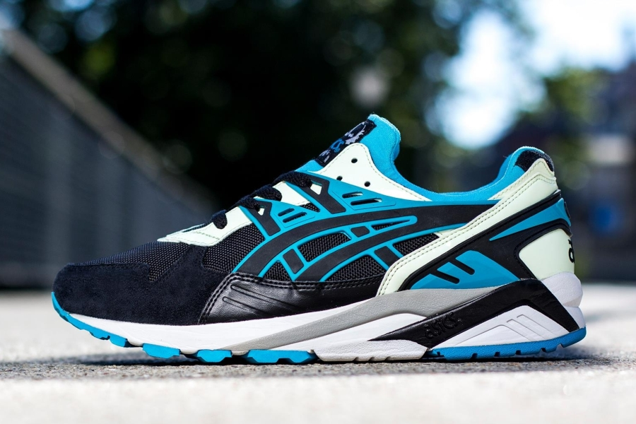 asics kayano sale uk