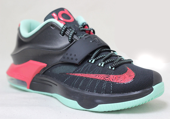 """newest 655c6 b0366 Nike KD 7 """"Bad Apple"""" – Available Early on eBay"""