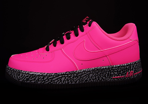 nike air force ones pink and black