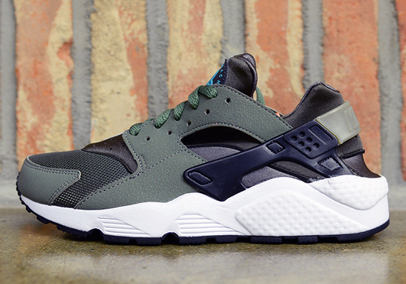nike air huarache iron green