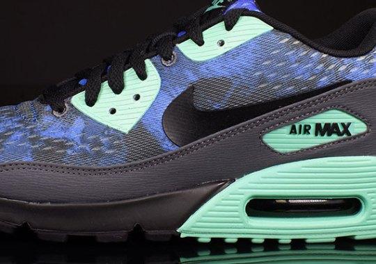 Nike Air Max 90 EM – Hyper Cobalt – Dark Grey – Green Glow