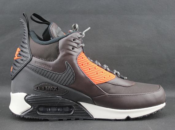 03fa32565a Nike Air Max 90 Sneakerboot Winter - SneakerNews.com