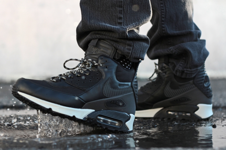 info for 42cdd 6a980 Nike Air Max 90 Winterized Sneakerboot