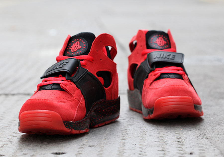 nike air trainer huarache premium love hate release date. Black Bedroom Furniture Sets. Home Design Ideas