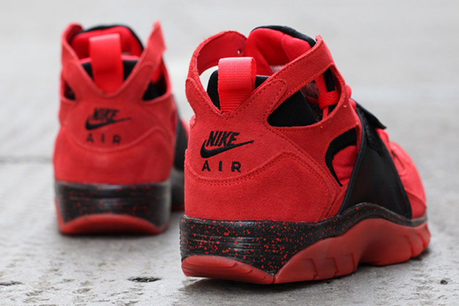 849c1ff4ca77 Nike Air Trainer Huarache Premium Color  Challenge Red Black Style Code   647591-600. Release Date  September 13