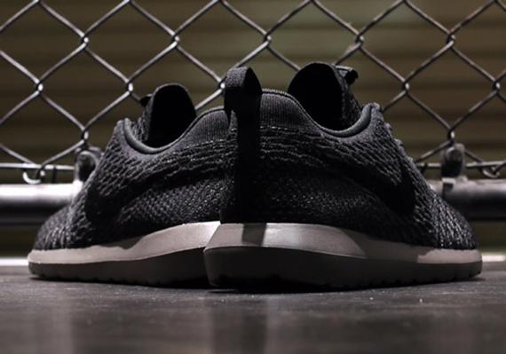 Nike Flyknit Roshe Run – Black – Midnight Fog | Release Date
