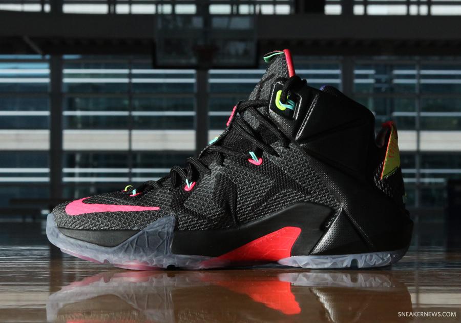 the best attitude c4fac 104bd Nike LeBron 12