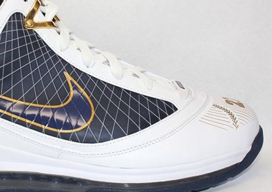 "Nike LeBron 7 ""Yankees"" PE on eBay"