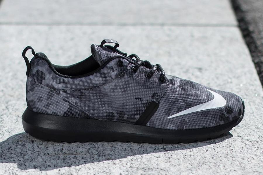 Nike Roshe Courir Nm Fb Camos Gris Foncé iD7K4
