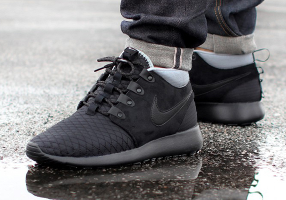 best loved ba2fe 65c02 Nike Roshe Run Sneakerboot – Black – Silver