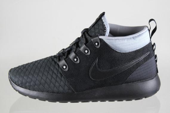 e41a1f45e61a Nike Roshe Run Sneakerboot - Black - Silver - SneakerNews.com