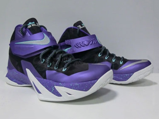 """Nike Zoom LeBron Soldier 8 """"Hornets"""""""