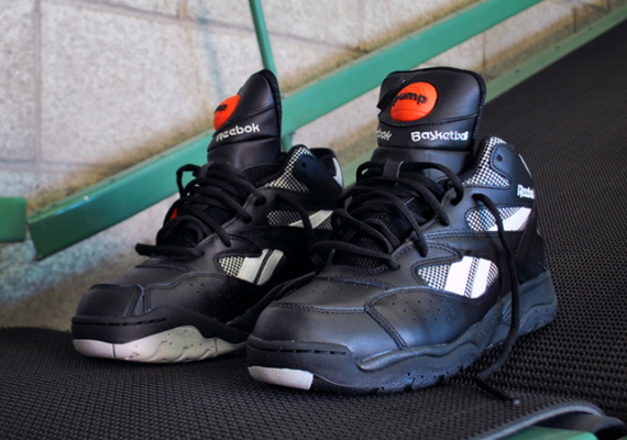 ee837075b98 Reebok Brings Back Dee Brown s D-Time Pump - SneakerNews.com