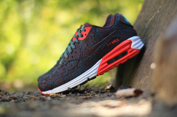 Color  Deep Burgundy Black-Hyper Jade-Challenge Red Style Code  705068-600.  Release Date  09 27 14. Price   140 Available on eBay. Nike Air Max Lunar90  ... 83f8dca212