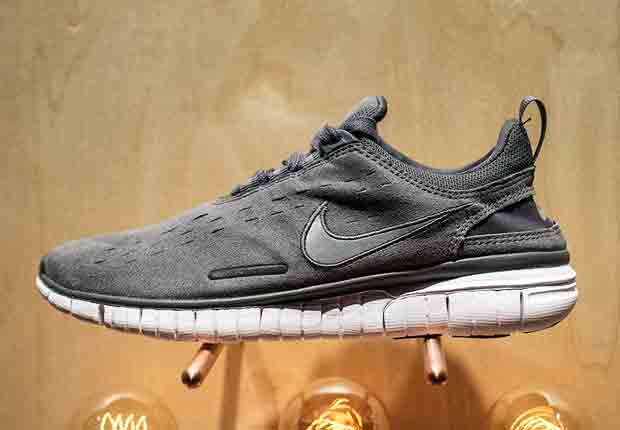 new products 4c749 572c4 A.P.C. x Nike Free OG 14 - SneakerNews.com
