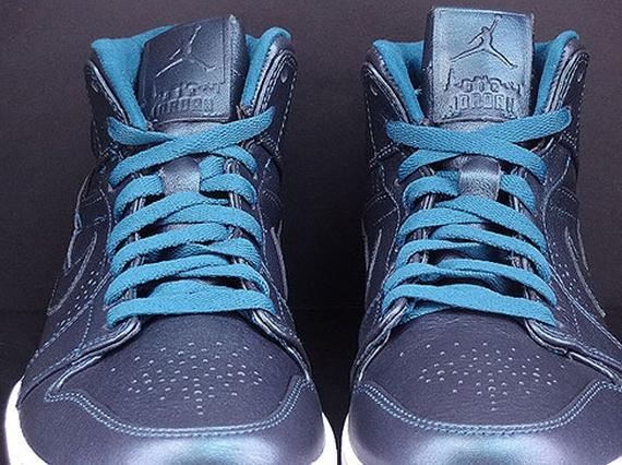 Air Jordan 1 Mid Nouveau Space Blue