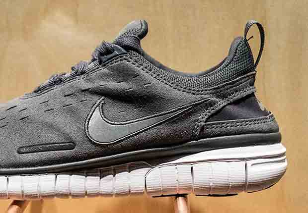 competitive price ab2c3 b0880 A.P.C. x Nike Free OG  14