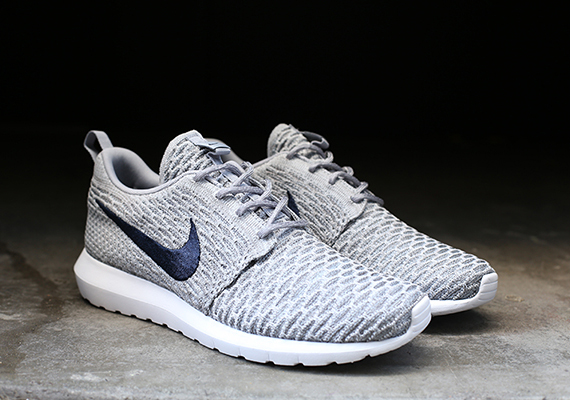 Nike Flyknit Roshe Exécuter Gris