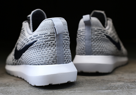 Nike Roshe Exécuter Flyknit Gris FAOmhRy23l