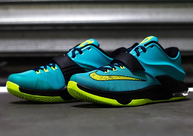 """Nike KD 7 """"Uprising"""" - Release Reminder - SneakerNews.com"""