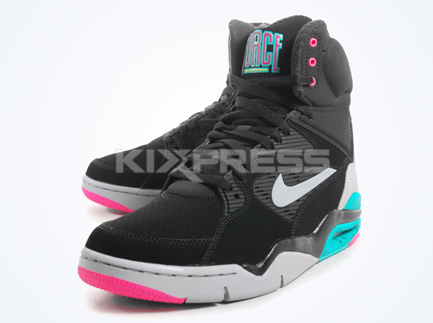 52b259f12263 nike air command force spurs available ebay 02 Nike Air Command Force Spurs  Available Early on