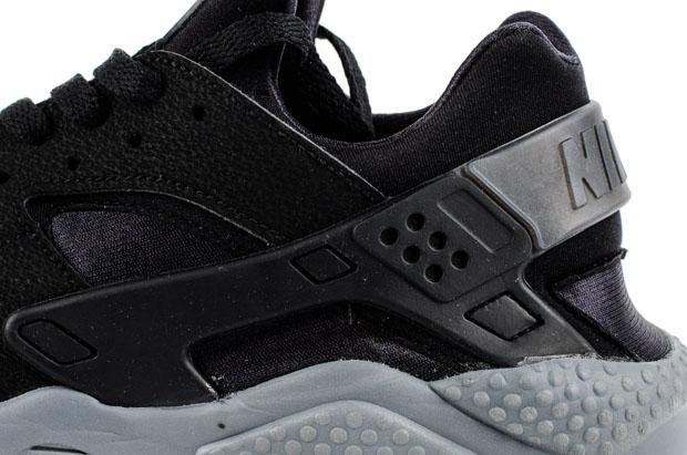 africano engañar Tom Audreath  Nike Air Huarache - Black - Grey - SneakerNews.com
