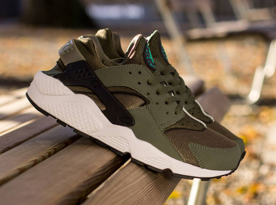 new product 8762c 887b2 Nike Air Huarache