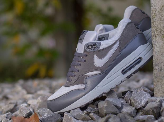 Nike Air Max 1 Essential - Wolf Grey - Dark Grey