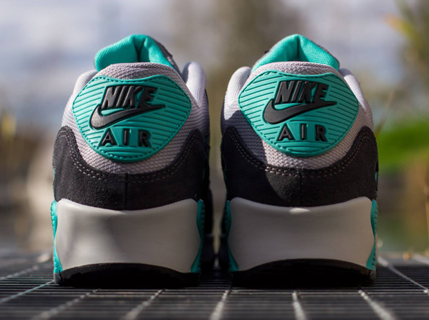Nike Air Max 90 Wolf Grey Hyper Jade Cool Grey