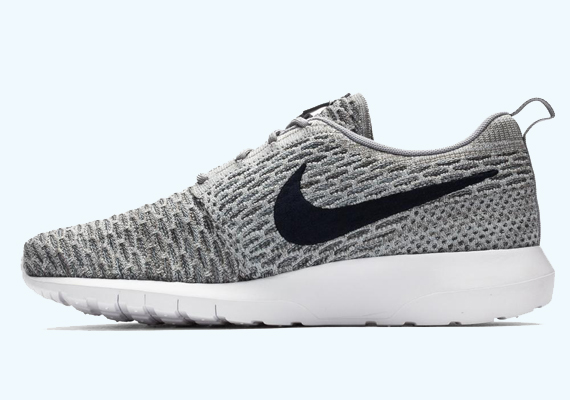 8543c1359a5 Advertisement. It only took a few colorways for the Nike Flyknit Roshe Run  ...