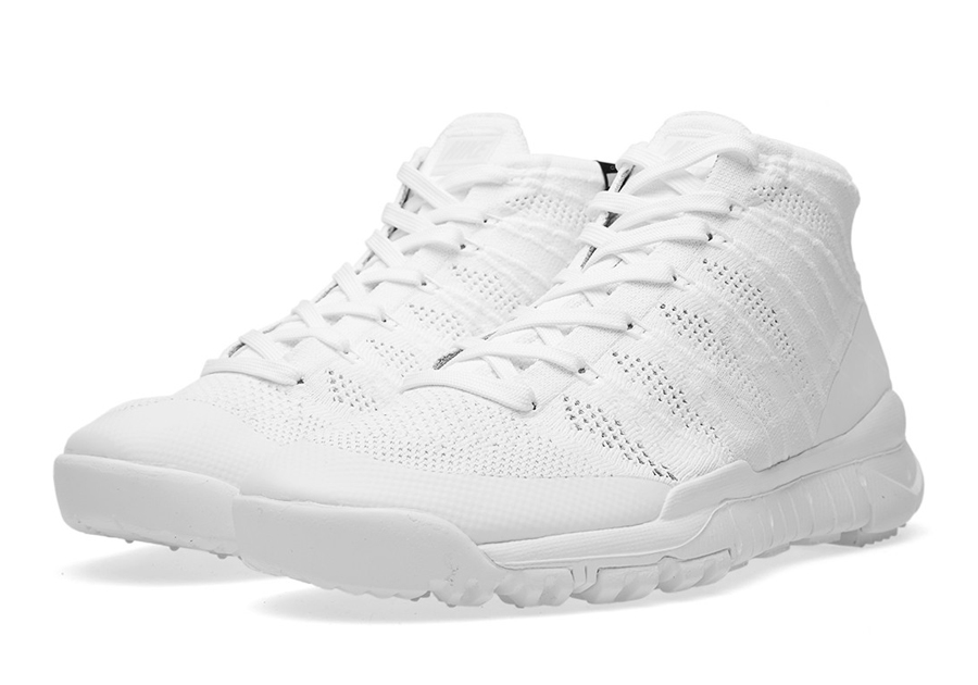 innovative design 3e85d 0fbc2 A Detailed Look at the Nike Flyknit Trainer Chukka FSB SP ...