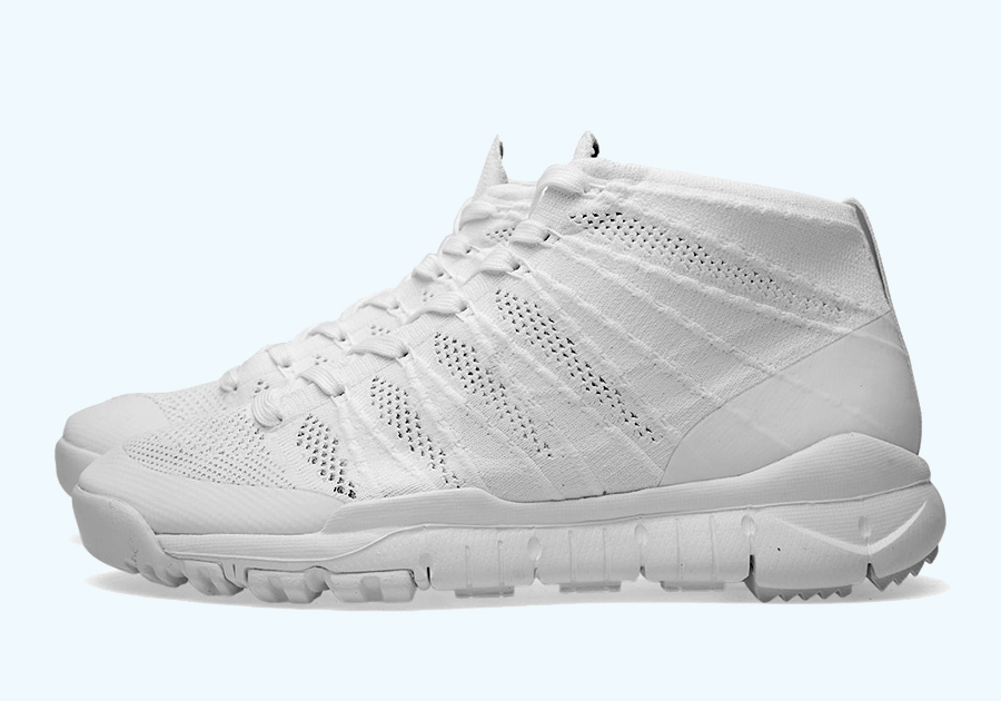 51bce321ecf204 A Detailed Look at the Nike Flyknit Trainer Chukka FSB SP