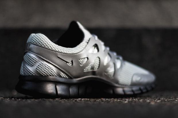 reputable site 36416 e1307 Nike Free Run 2 - Metallic Silver - Black - SneakerNews.com