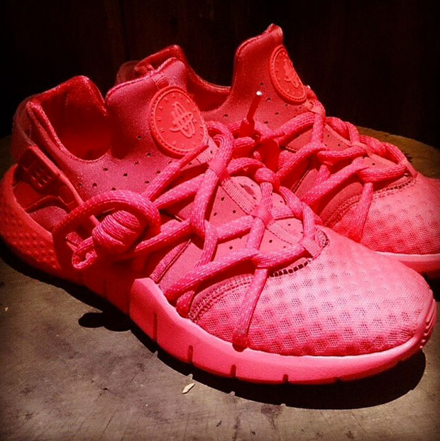 red huaraches 2015