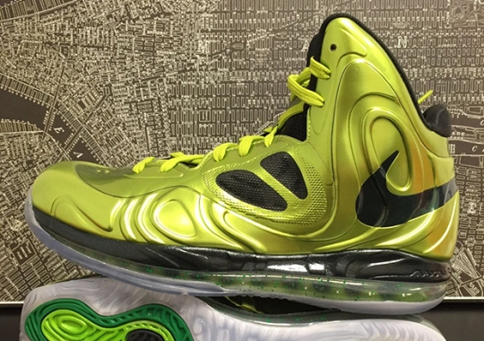 "Rajon Rondo s Nike Hyperposite ""Metallic Green"" PE on eBay 98faa0402"