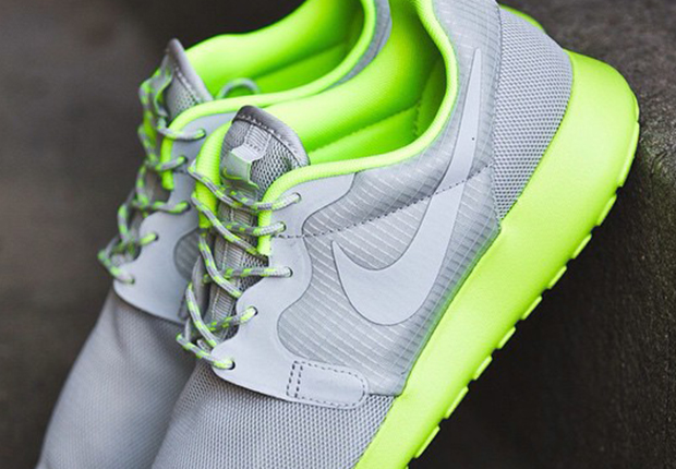 womens nike roshe run hyp yellow grey