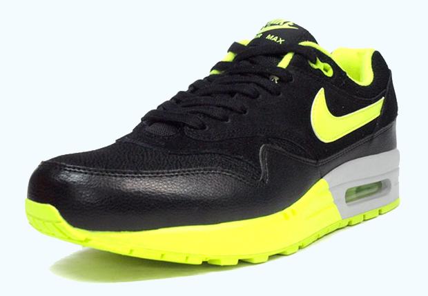 Nike Air Max 2013 Wolf Grey Black Volt