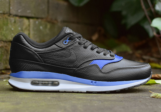 tome d une seule pi ce - A Closer Look at the Nike Air Max Lunar1 Deluxe - SneakerNews.com